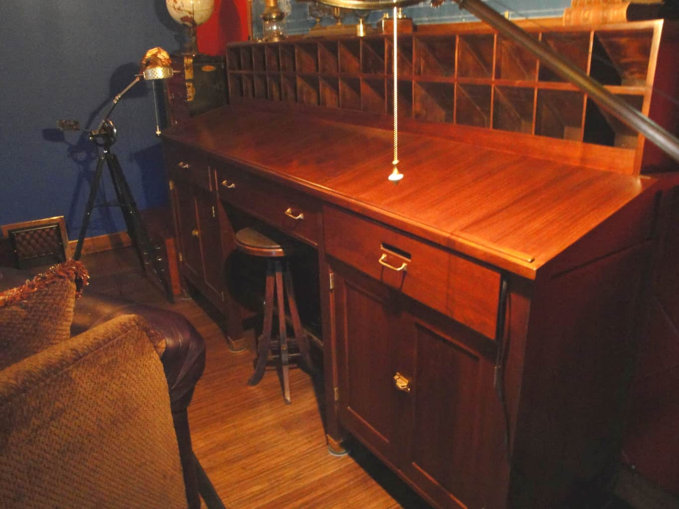 10 Antique Desk