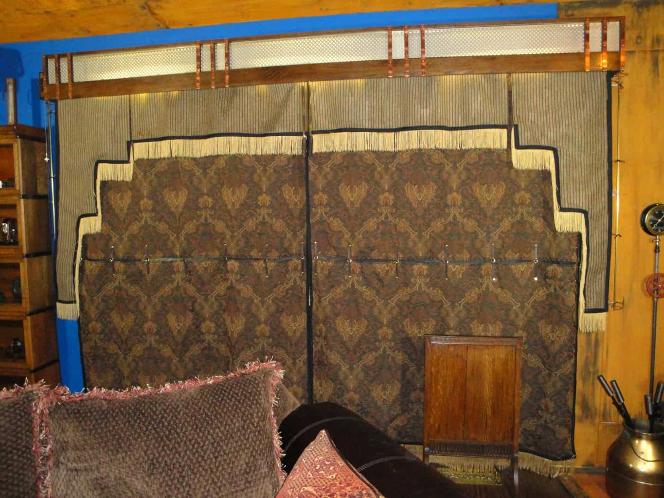 22 Steampunk Exit Curtained