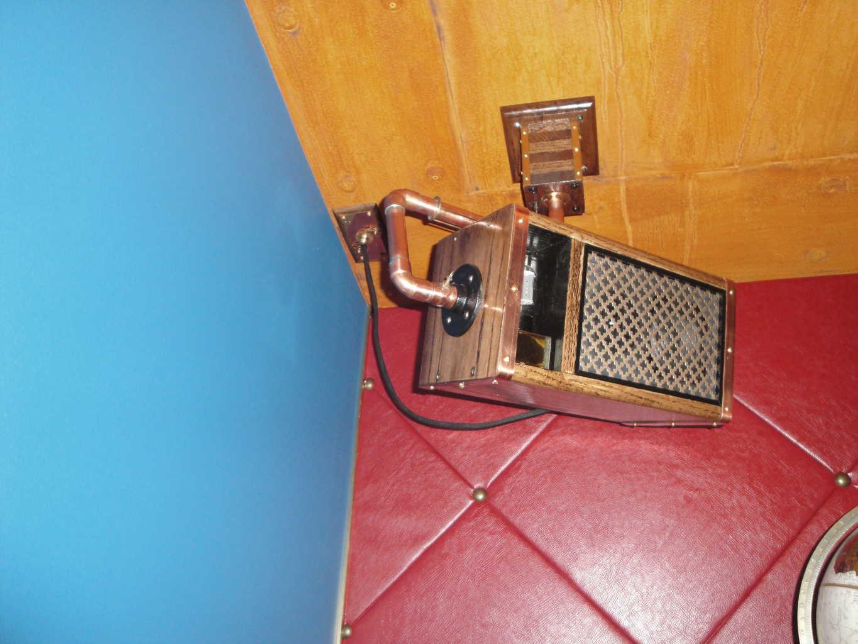 32 Teslapunk Speaker box