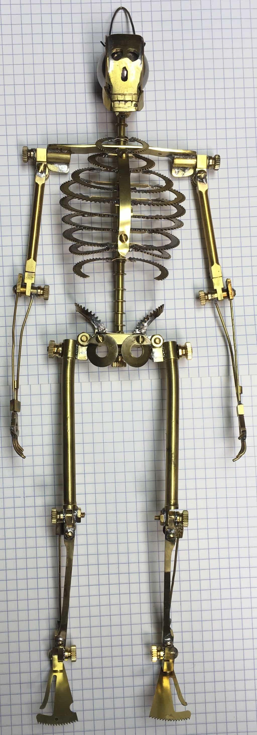 25 Skeleton with feet 3