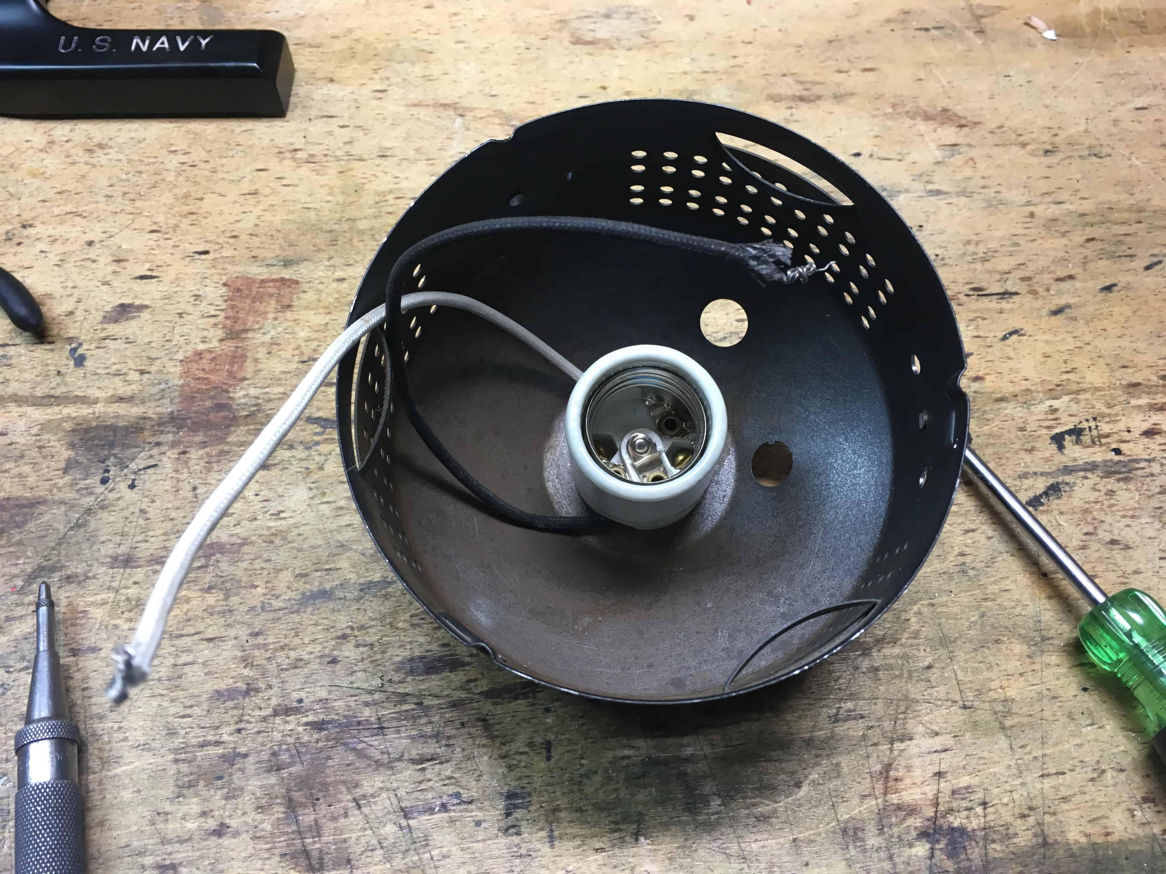 Lamp base mounting 1