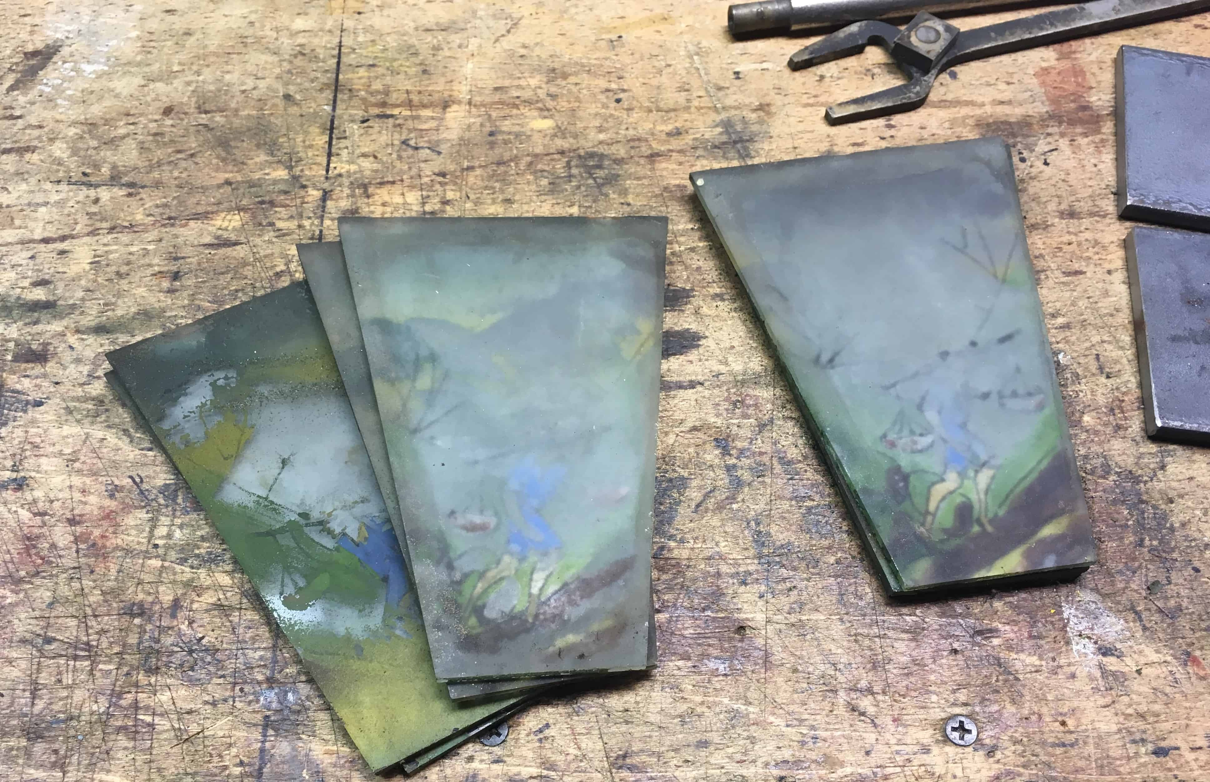 5 glass plates